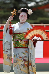 Maiko Odori Performance (Teruhide Tomori) Tags: portrait japan dance kyoto performance maiko   kimono tradition japon odori
