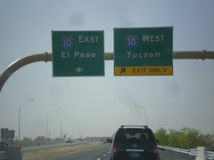 I-25 South Approaching I-10 (sagebrushgis) Tags: newmexico sign intersection i10 overhead lascruces i25 biggreensign freewayjunction
