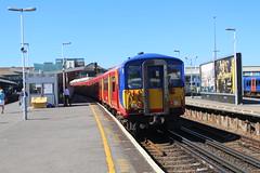 5720 (matty10120) Tags: west bus train south rail railway trains junction class clapham 455 transprot