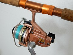(  Macro Monday  )  Daiwa B-130    left-hand  spinning reel (Bob the Real Deal) Tags: daiwab130 spinningrod vintage rare fishingpole spinningreel daiwa daiwaspinningreel fishing antique gonefishing reel spinning b130 mondaymacro macromonday macromondays