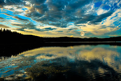 Sunset at Bogstadvannet Lake (Tonca Photography) Tags: sunset bogstadvannet oslo moon norway tonca lake forest