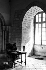 Tuer le temps (peterfatson) Tags: pentax k3 1685 wr noiretblanc blackandwhite muse museum contraste reims