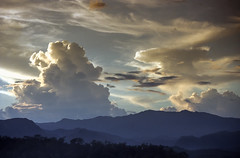 Laos : Luang Prabang, sunset #1 (foto_morgana) Tags: analogphotography analogefotografie asia clouds landscape laos lightroom mountainous nikoncoolscan panoramic photographieanalogue scenic sky sunset tourism travelexperience vuescan