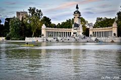 Grand tang del Retiro et monument  Alfonso XII (La Pom ) Tags: madrid spain espagne espana etang parc retiro