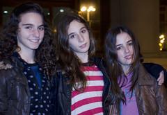 Juventud.- (ancama_99(toni)) Tags: barcelona city girls vacation people espaa girl night spain nikon chica gente bcn chicas vacaciones barcellona barcelone 18105 juventud fotodegrupo 2013 d7000 nikond7000