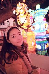 Jie at Lantern Festival (michael 誠) Tags: voyage china travel canon tokina lantern 中国 春节 旅游 sichuan 旅行 chine 30d zigong 四川 佳能 庙会 自贡 灯会 1224f4 图丽