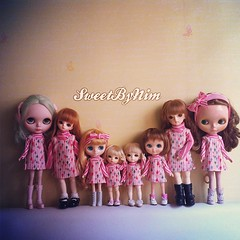 Hello Monday, we're lollipop gang. See you soon.  #instafonts  #blythe #blythedoll #middieblythe #odeco #latidoll #pukifee  #latiyellow #volksdoll (Sweet-by-Nim) Tags: square sierra squareformat iphoneography instagramapp uploaded:by=instagram
