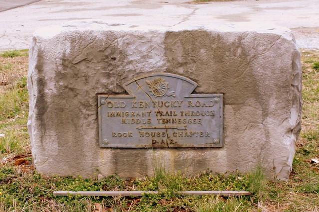 Old Kentucky Road D.A.R. Marker
