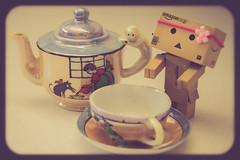 Tea Time ({Andrea}) Tags: toy day64 aliceinwonderland odc danbo downtherabbithole revoltech danboard canoneos6d danbomini day64365 3652013 365the2013edition 05mar13