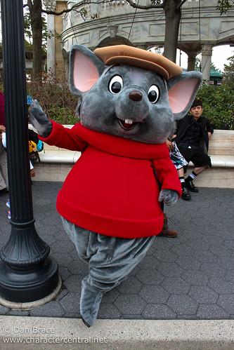Bernard at Disney Character Central