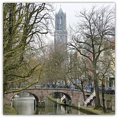 Oudegracht met Domtoren (2) (Cajaflez) Tags: tower water canal utrecht domtoren toren nederland thenetherlands panasonic gracht oudegracht 100commentgroup saariysqualitypictures blinkagain photographyforrecreation dmcfz150 rememberthatmomentlevel1 rememberthatmomentlevel2 vigilantphotographersunite vpu2 vpu3 vpu4 vpu5 vpu6 vpu7 vpu8