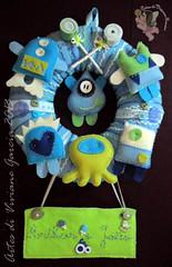 Porta-maternidade Joo (Artes di Viviane Garcia) Tags: baby art azul de toy felt infantil quarto garcia feltro decorao menino viviane monstros enxoval monstrinhos
