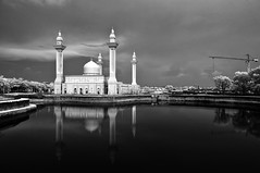 [INFRARED] Tengku Ampuan Jemaah Mosque (mozakim) Tags: bw reflection architecture landscape blackwhite islam mosque infrared islamic bukitjelutong nikond90 tengkuampuanjemaah