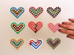 i love strijkkralen! (Gertie Jaquet) Tags: hand heart coeur hart  kralen strijkkralen ironingbeads perlesrepasser