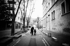 """""""We never forget how to ride a bicycle"""" (David**T) Tags: city france tree bicycle ride lyon femme maman enfant arbre velo ville"""