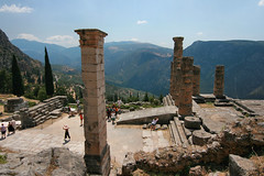 Temple d'Apollon (Delphes) (calabrese) Tags: panorama temple europa europe cit delphi greece paysage grce delphes ruines apollon vestiges templedapollon citlgendaire