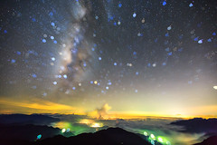 (samyaoo) Tags: park longexposure light sunset sea sky mist tree car fog clouds star nationalpark taiwan trails  galaxy national    milkyway  seaofclouds tarokonationalpark nantou         hehuanshan           hehuanmountains