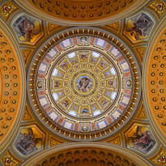 Dome - Szt Istvn Bazilika (Thomas Roland) Tags: building church saint st architecture loft river square gold golden hungary cathedral basilica ceiling dome magyar sq stephens danube squared basilika guld sankt arkitektur donau kirke domkirke kuppel skt kvadrat bazilika istvn stefans flod katedral szent gylden szt kvadratisk