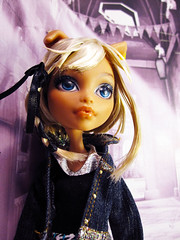 Seren (nonaptime) Tags: ooak repaint reroot customdoll monsterhigh howleenwolf