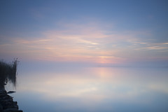 Sin Horizonte (CarlosPerera) Tags: longexposure sunshine amanecer largaexposicion deltadelebro nohorizon bigstopper