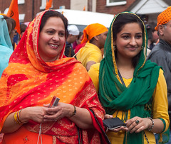 Spectators at the 2013 Sikh Vaisakhi festival parade in Southampton (Anguskirk) Tags: uk england color colour festival hampshire procession sikh gurdwara southampton turbans saris vaisakhi nagarkirtan