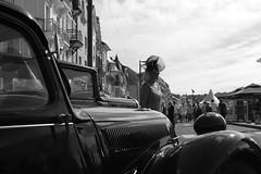 Star du temps jadis... (Sivispacem...) Tags: mers les bains voiture ancienne old car classic city sd1 merrill 1835 18 art black white noir blanc citroen traction