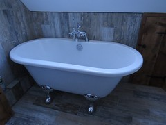 3427 Holiday let (Andy panomaniacanonymous) Tags: 20160815 bath bathroom bbb ccc checksfield hhh holidaycottage holidaylet kent lll selfcatering sss tiles ttt woodeffect www