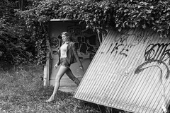 Garage Girl (insider-fototour) Tags: beauty garage girl lostplace graffiti