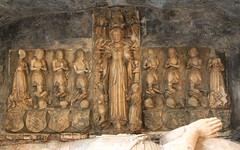 Abergavenny priory, Monmouthshire (Vitrearum (Allan Barton)) Tags: medieval church priory herbert monument effigy alabaster reredos abergavenny virginmary assumption coronation devotion