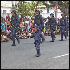 (wilphid) Tags: salvador bahia brsil brasil 7desetembro ftenationale arme dfil militaires soldats rue