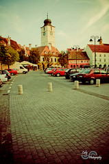 Council tower, Sibiu (laly_sb2009) Tags: city urban building tower cars architecture vintage square town construction nikon europe small romania council transylvania sibiu edifice hermannstadt smallsquare counciltower