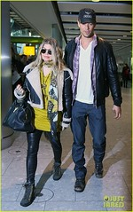 FFN_IMAGE_51017867|FFN_SET_60060489 (BlackEyedPeasPhotos) Tags: london hat sunglasses airport unitedkingdom bluejeans blondehair fergie yellowshirt whiteshirt baseballcap buttondownshirt blackleatherjacket joshduhamel blackhandbag blackleatherpants