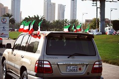 #2013 (5) (Fajer Alajmi) Tags: show red white black green cars plane war gulf 26 flag police 25 planes kuwait february feb q8  kwt      kuw              alfrsan  mseera
