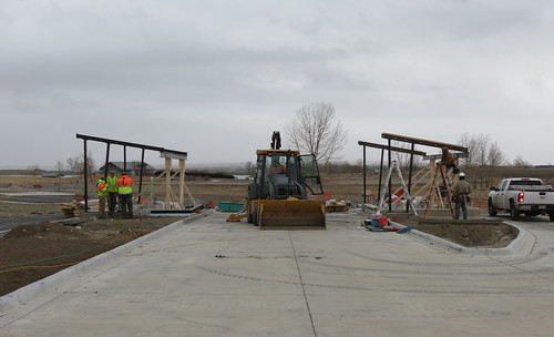 Photo - Reservoir gate entry project - Steel frames for the gatehouses
