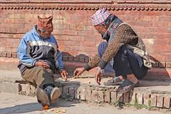 Scène de rue à Katmandou (dalbera) Tags: jeu népal joueurs scènederue katmandou dalbera