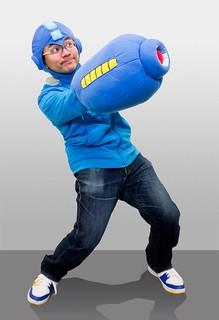 你到底是有多喜歡洛克人啦!~洛克人頭套與手套登場!