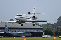 Aeronautica Militaire - M.M.62245 - Farnborough Airport (FAB/EGLF) (Andrew_Simpson) Tags: mm62245 aeronauticamilitaire dassaultfalcon900 dassaultfalcon dassaultaviation dassaultaircraft dassault falcon900ex falcon900 falcon 900ex italian italy italianairforce airforce military italyairforce landing land arriving arrival arrive bizjet businessjet privatejet executivejet farnboroughairport fanrboroughinternationalairport farnboroughinternational farnboroughairshow farnboroughinternationalairshow farborough fab eglf hampshire airshow airdisplay fia fia16 fia2016 uk aircraft aviation avgeek avporn aviationgeek aviationporn planepic planephoto planes plane aircraftpic airplane aeroplane unitedkingdom gb greatbritian england