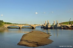 Private Time On The Island (Trish Mayo) Tags: island bridge hutchinsonriverparkwaybridge gnneniyisi thebestofday