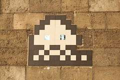 Paris 19me (PA_162) (Meteorry) Tags: europe france idf ledefrance paris spaceinvader spaceinvaders invader invaderwashere tiles carrelage carreaux mur wall street rue art artderue pixels pa162 reactivation reactivated mirroreyes mirror reflection quaideseine stalingrad july 2016 meteorry paris19earrondissement