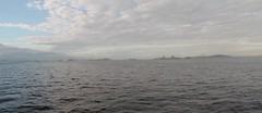 O Terminal Flexvel de Regaseificao de GNL da Baa de Guanabara tem capacidade para transferir at 14 milhes de m/dia de gs natural para a malha de gasodutos Sudeste. Atende principalmente as termeltricas da regio. (CrzSz) Tags: baiadeguanabara terminalilharedonda gnl