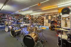 KEYMUSIC Brussel (KEYMUSIC_STORES) Tags: brussel keymusic wwwdigiphotnl gitaarwinkel gitaar drums piano muziek music musical guitar belgi digiphot151201 googlebusinessphotos googlemapsbusinessview