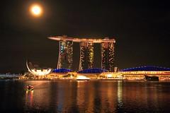 Full moon (Rajavelu1) Tags: cityatnight nightphotography architecture art aroundtheworld artland tower toor colours fullmoon rever water reflection marinabaysands singapore streetphotography