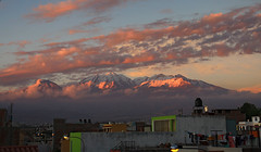 Chachani Sunset (Una S) Tags: city houses sunset mountains peru clouds view arequipa vulcano chachani