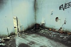 Rond De K / oel / erktoren (janvanreeth) Tags: old blue nuclear ghosttown powerplant destroyed desolated doel