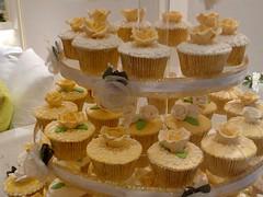 Gold Wedding Cupcakes - Jakarta (cupcakesjakarta) Tags: wedding flower gold cupcakes cupcake jakarta mewah
