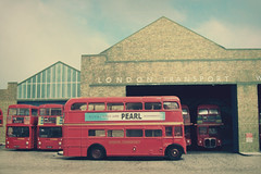 Wandsworth Bus Garage (kingsway john) Tags: wandsworth bus garage london transport 176 scale card model efe diorama londontransportmodel oo gauge miniature