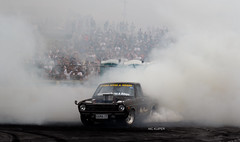Smoke em' (Nic Kuiper) Tags: smoke crowd ute burnout skid burnoutcompetition 4rotarynationals meremeredragstrip v4rotarynationals