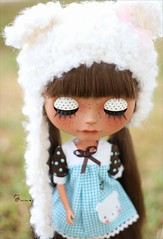 Cute eyelids^^