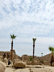"Templo de Karnak • <a style=""font-size:0.8em;"" href=""http://www.flickr.com/photos/92957341@N07/8594503316/"" target=""_blank"">View on Flickr</a>"
