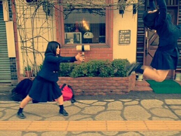 makankosappo-japanese-schoolgirls-dbz-energy-attacks-6